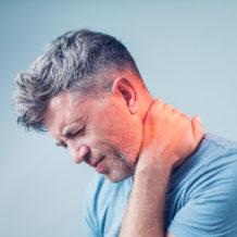 Douleurs au cou : 5 solutions pratiques peu connues